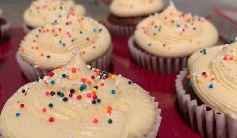 Quick, Easy Vanilla Buttercream Frosting