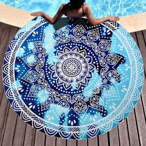 tapis d exterieur rond motif mandala pour terrasse plage