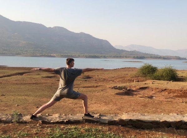 på nybegynnerkurs med Mandala Yoga lærer du trening du kan utføre hvor som helst