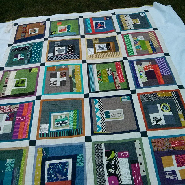 I loved this echino quilt  ! Here's the front...