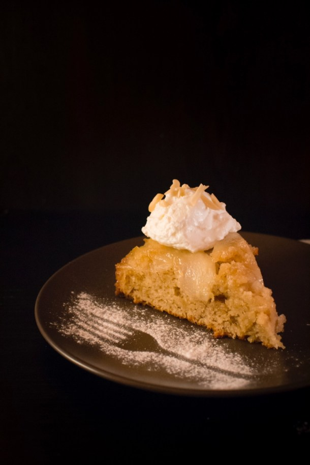 Pears upside down caramelized cake