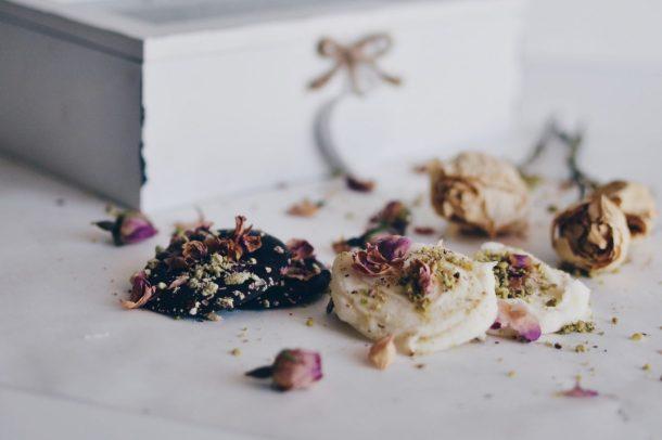 Pistachio & rose petals mendiants