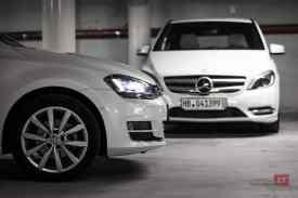 Volkswagen-Golf-blanche-Mercedes-Classe-B-blanche