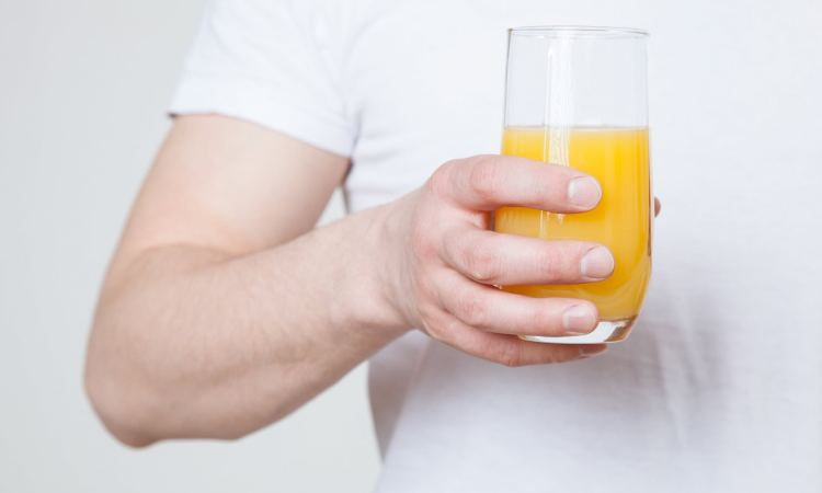 Drinking orange juice could slash your risk of dementia by 50 per cent as it protects the brain - MTG UK