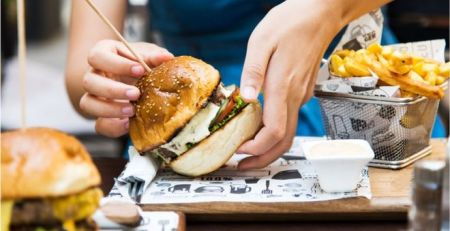 Restaurant dishes 'contain more calories than fast-food meals' - MTG UK