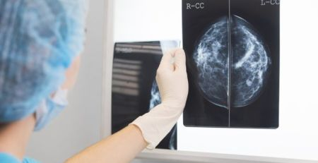 AI 'outperforms' doctors diagnosing breast cancer - MTG UK -