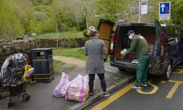 UK volunteering soars during coronavirus crisis - The Mandatory Training Group UK -