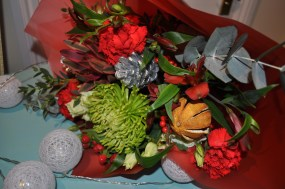 Christmas Hand-tied Flowers