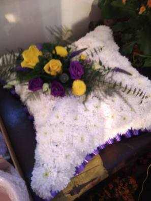 Based pillow funeral
