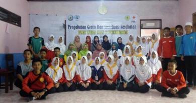 Pengobatan Gratis dan Sosialisasi Kesehatan PMR WIRA MAN 2 Ponorogo