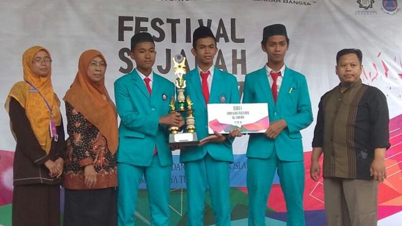 Tim KTI MAN 2 Ponorogo Juara I di UIN Sunan Ampel Surabaya