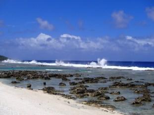 Blowholes along Ha'aluma beach