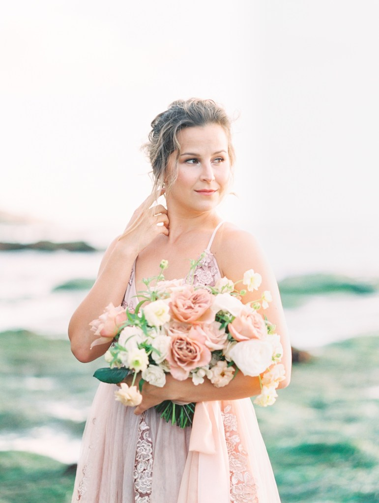 Blush And Dusty Mauve Wedding Flowers In Muted Pinks At Sunset Cliffs Micro Wedding