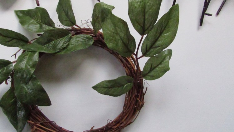 overlapping greens when making a wreath