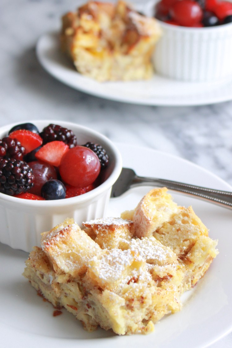 French Toast Casserole | An easy, make-ahead French Toast Bake! All the best cinnamon and vanilla flavors of classic French toast in casserole form. Can be baked immediately or left overnight to soak. Bake this up for a low-stress way to make a French toast breakfast or brunch for a crowd!
