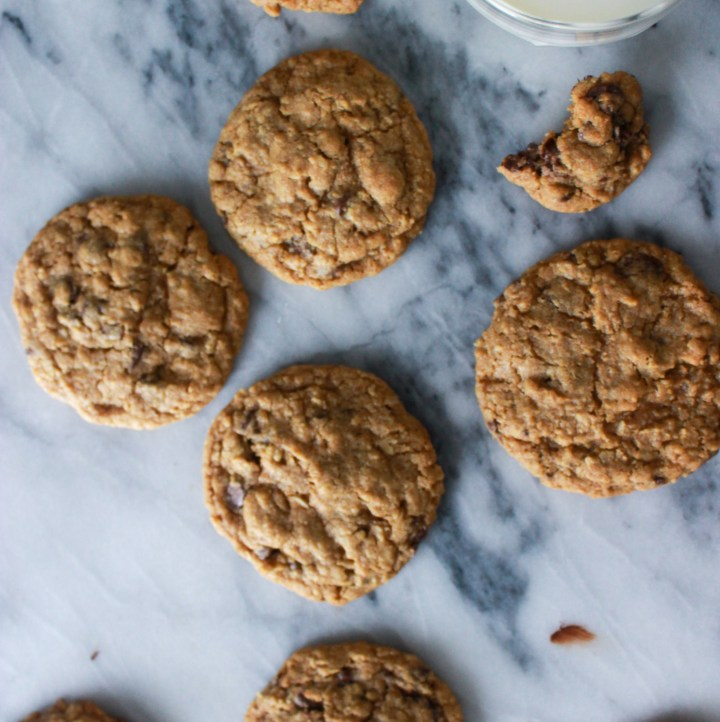 molasses oatmeal chocolate chip cookies