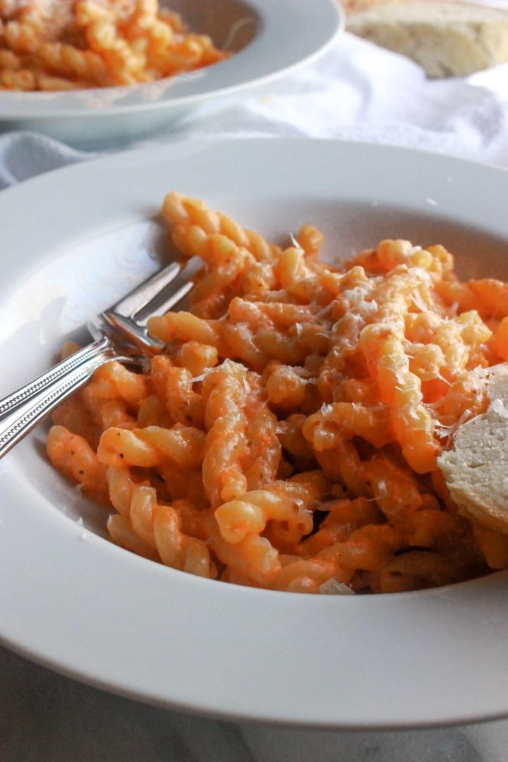 bowl of pasta rosa