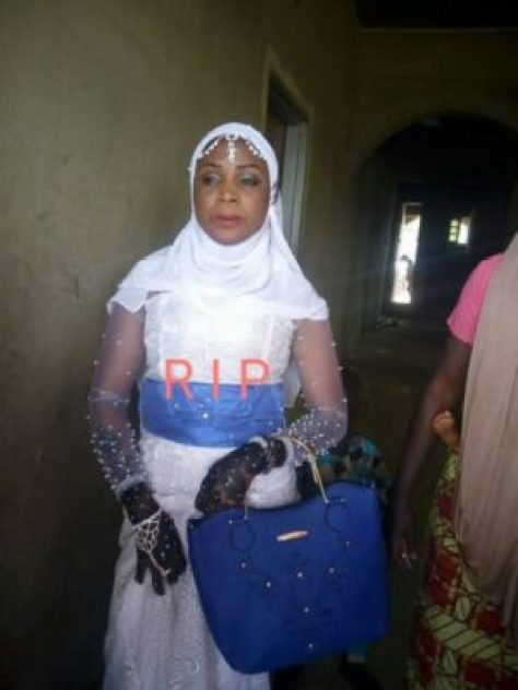 26047193_2003435653204846_8506799297258042837_n Two Days After Her Wedding, Lady Dies Of A Slight Stomach Ache (Photos)
