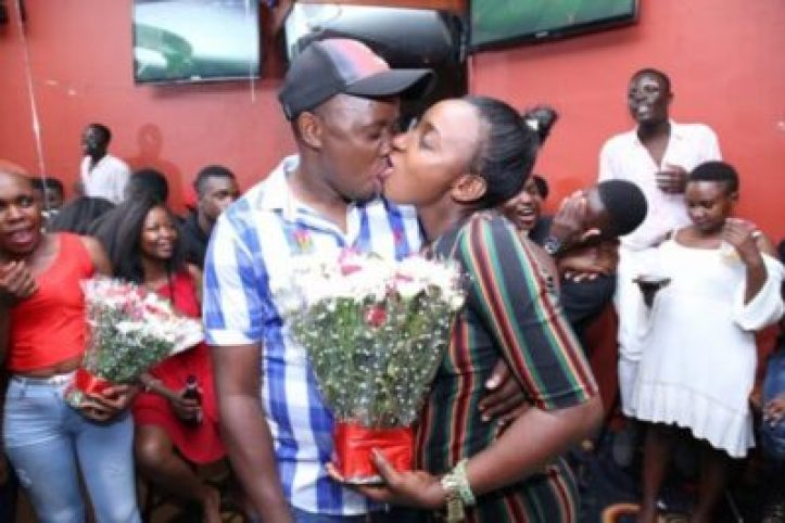 dwgeui2xcaev5p4 Checkout Photos From A Kissing Competition In Kampala, Uganda