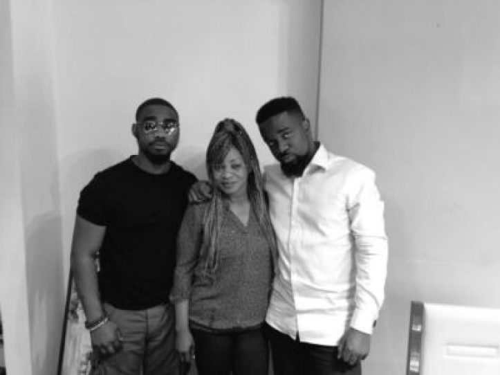 dgsm0uawkaalxyp Sarkodie Shares Photo Of His Siblings (Photo)
