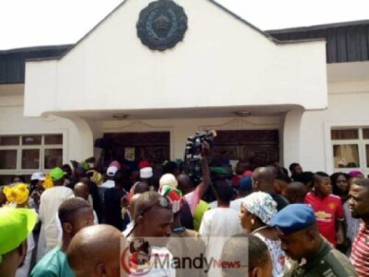 8506556_482603272102466865532198394594205158080512n_jpgafbce491a8930da8447a81a905c36f9d1245653234 Atiku Abubakar Visits Ooni Of Ife At His Palace In Osun State (Photos)