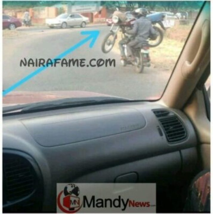8510231_1547619253608_jpegde028241bb6befb72566f4b9321e1766747086366 Bike Man Spotted Carrying Another Bike With The Owner In Ibadan (Photos)