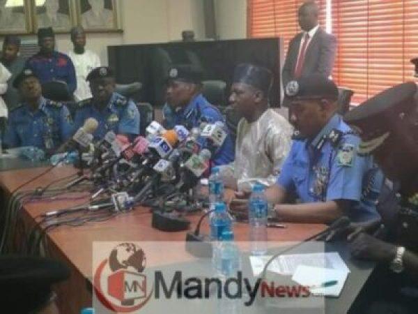 8513217_fbimg1547643707108_jpeg8c18997792da0d9130bce91051b8934f1246010218 Ibrahim Idris Hands Over Police Flag To New IGP Adamu (Photos)
