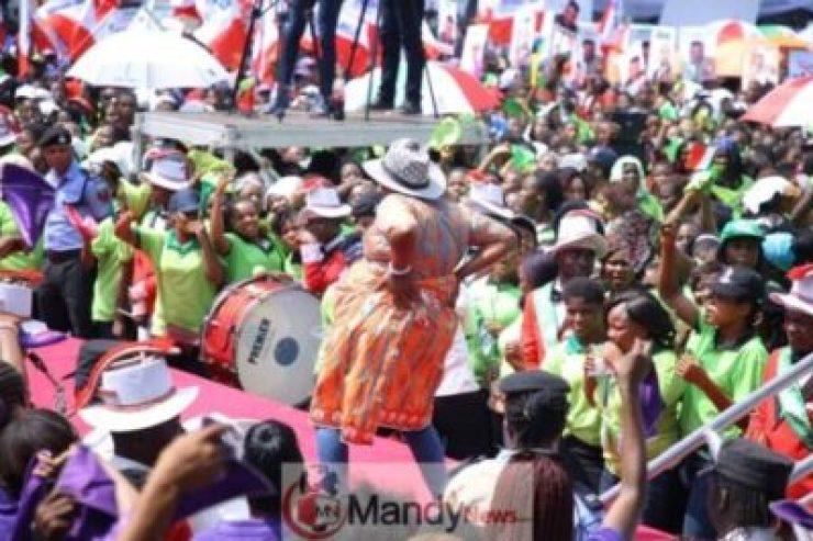 8612916_img20190128wa0031_jpeg70fbba4801581511e8f955101e681c7e251273761 Atiku Abubakar Flags-off Presidential Campaign In Uyo (Photos)