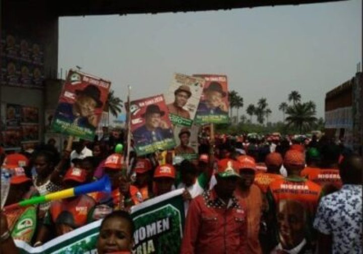 8734835_screenshot20190211123043_jpeg9570a2c44f0507d3e3724e753b36aa2f548212496 Photos Of Crowd Waiting For Atiku At His Rally In Rivers