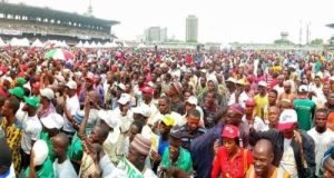 8746316 img20190212wa0025 jpega698680ea842cb6351dda0e92701ebd6 300x160 - Thugs Allegedly Sponsored By Tinubu Attempt To Disrupt Lagos PDP Rally