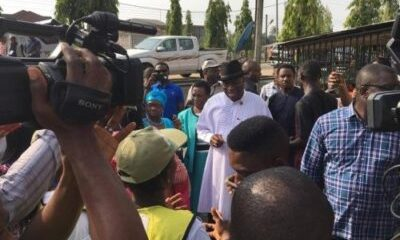 Former President, Dr Goodluck Jonathan and his wife, Dame Patience, have cast their votes in Otuoke area of Bayelsa state