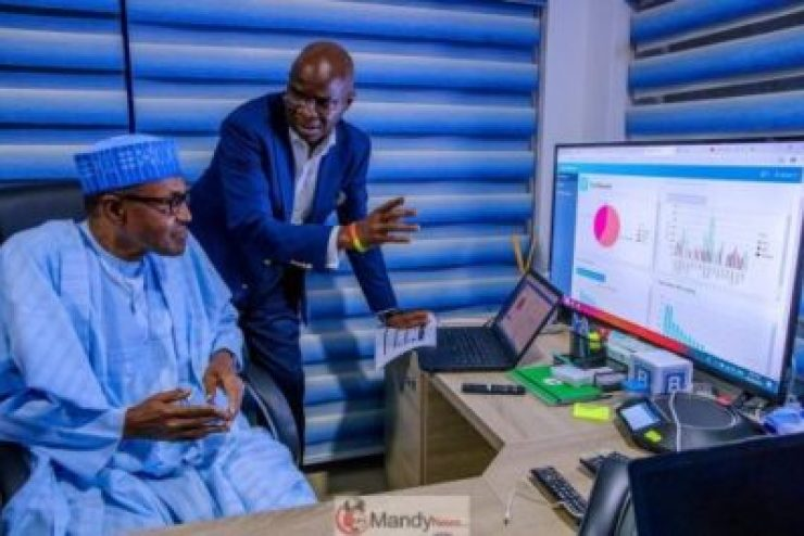 D0RoTCSXQAUXWMu-1024x683 President Buhari Visits APC Situation Room In Abuja (Pictures)