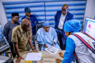 D0RoTCUWkAAwQkR 1024x683 - President Buhari Visits APC Situation Room In Abuja (Pictures)