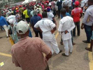 DzNBf5jUcAAu-AY-300x225 The Momentum Is Gathering Already For Atiku's Lagos Rally (Photos)