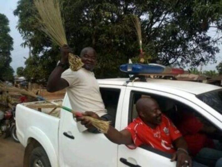 FB_IMG_15510208575261771 Ovia Rejoice, As Hon. Dennis Idahosa Wins Omosede Igbenedion (Photos)