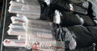 Q5qRDAh9 - Police Intercept Vehicle Loaded With Bomb In Delta