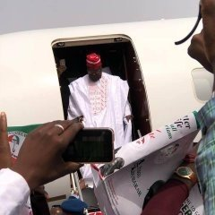 dzccew x0aa1sz01460919205 - Atiku Arrives In Kano For Campaign Rally (photos)