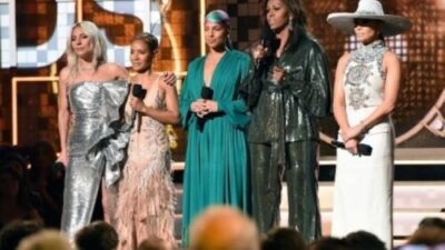 images 61376830164. - Michelle Obama Makes Surprise Grammy Award Appearance