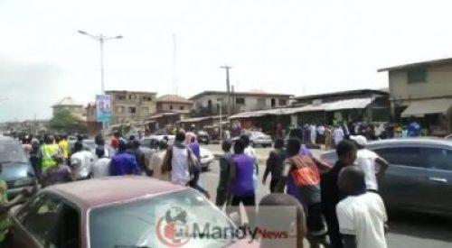 jTZPH8JPsFqtt8Y4 Thugs Fight At Obasanjo's Polling Unit (Photos,Video)