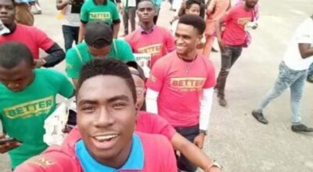 m7g8hbo86an0vzgo1306509590 Atiku Supporters Hit Lagos Streets With Gyration For PDP CampaignRally (Video)