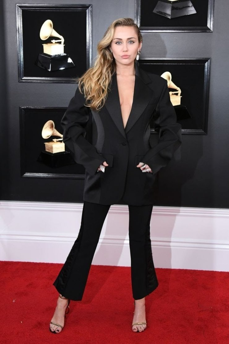 miley cyrus attends the 61st annual grammy awards at news photo 1128781170 1549844699469492944 - All Grammys 2019 Red Carpet Celebrity Dresses & Looks (Photos)