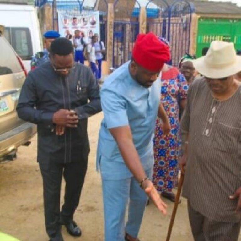 Desmond Elliot Commissions Public Toilet In Lagos (Photos)