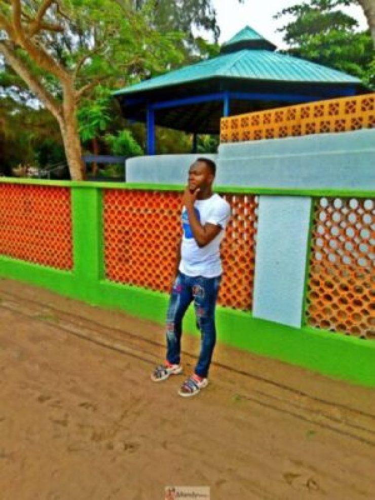 1555017765043-768x1024 Collins WeGlobe: My Visit To Tarkwa Bay Beach In Lagos, Nigeria (Photos)