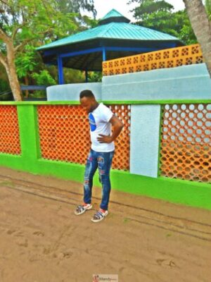 1555017820845 768x1024 - Collins WeGlobe: My Visit To Tarkwa Bay Beach In Lagos, Nigeria (Photos)