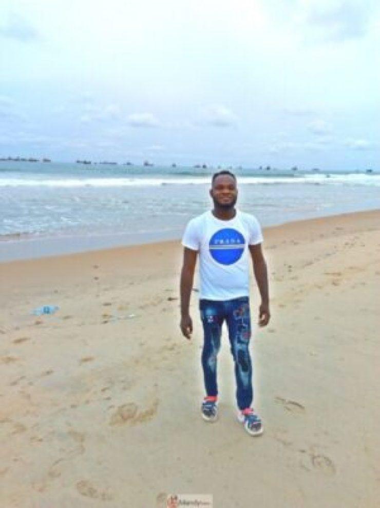 1555017916637-768x1024 Collins WeGlobe: My Visit To Tarkwa Bay Beach In Lagos, Nigeria (Photos)