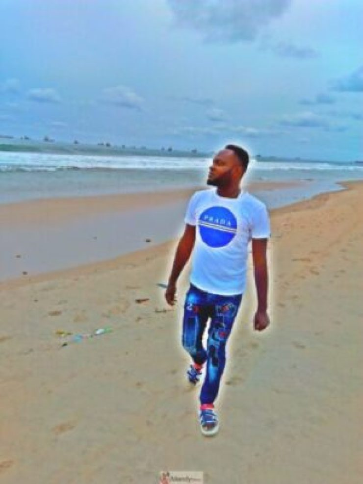 1555018044233-768x1024 Collins WeGlobe: My Visit To Tarkwa Bay Beach In Lagos, Nigeria (Photos)