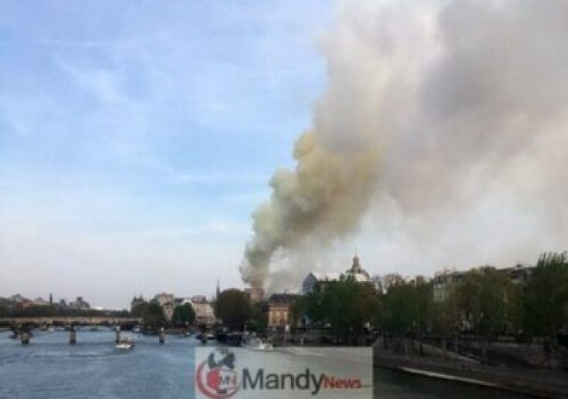 1555349573_000_1FO1LK Fire Breaks Out At Notre-Dame Cathedral In Paris (Photos)