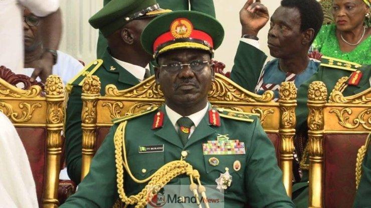 Chief Of Army Staff Lt Gen Tukur Buratai - Chief Of Army Staff, Lt Gen Tukur Buratai Visits Oba Of Benin (Photos)