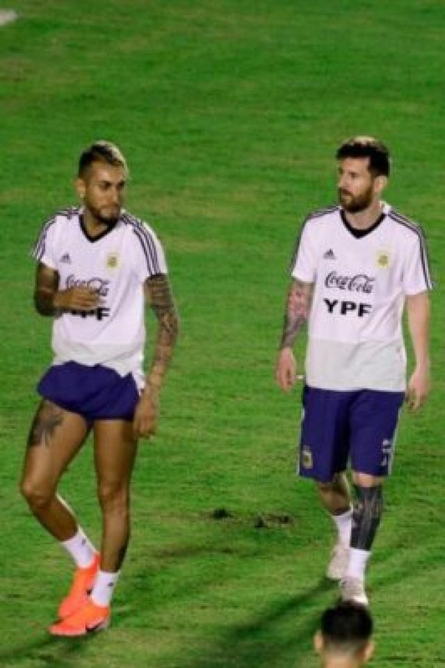 977528-01-05 Lionel Messi And Argentina Train Before Copa America Opener (Photos, Video)