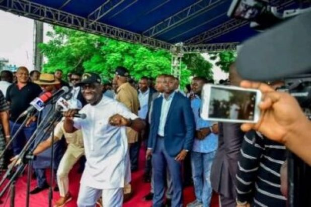 FB_IMG_15628605777738590 Market Women, Labour Groups, Youths, Others Pledge Support For Gov. Obaseki (Photos)